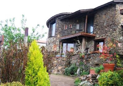 Casa rural en la sierra de salamanca jardines del robledo - Jardines del robledo ...
